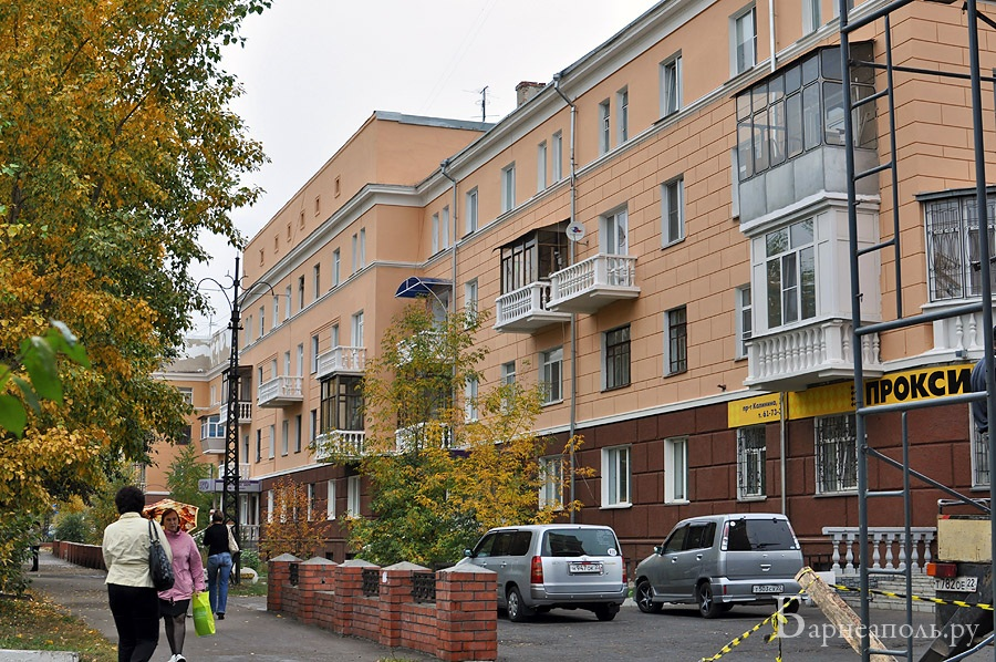 Проспект Калинина, 12