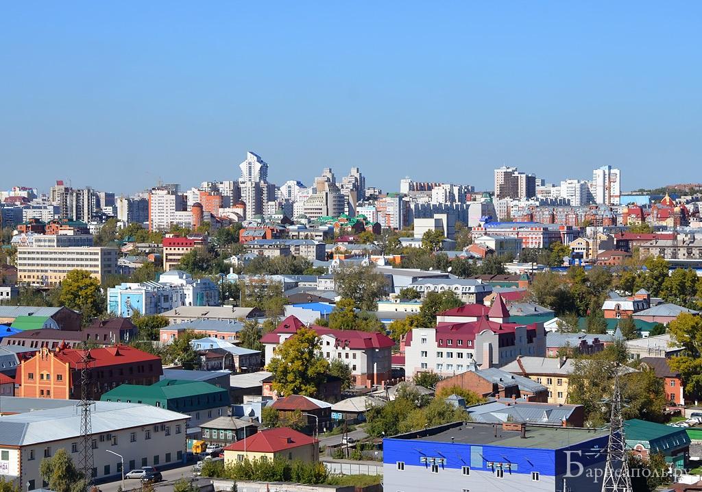 скайлайн центра Барнаула с 23 этажа Приречной, 9